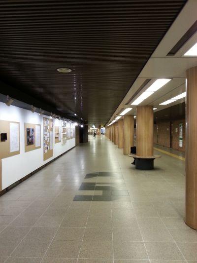 バスセンター前駅付近の地下道